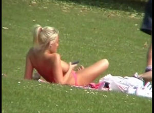 Meaty funbags stunner  in public lawn