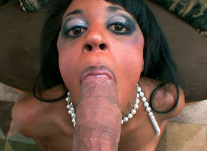 Dark-hued mature dame Gigi Kitten..