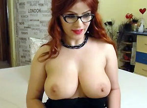 Red-haired sweetheart gal flashing her..