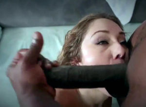 Beauty babe blowing 11 inch black rod..