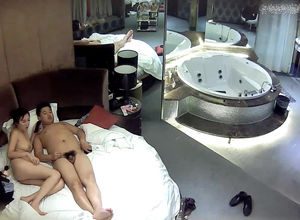 Asian cuple pulverizes under spycam in..