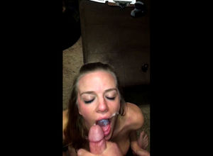 Huge-titted ash-blonde call girl takes..